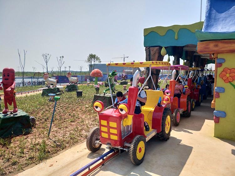 儿童最喜欢的游乐设备欢乐农场
